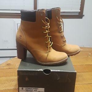 Timberland heeled booties sz 8